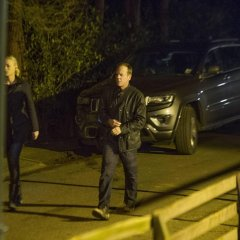 Yvonne-Strahovski-Kiefer-Sutherland-Jack-Bauer-Kate-Morgan-walking-24-Live-Another-Day-Episode-11-1024x681-19805e297a5286f41247c18ed37fb750.jpg