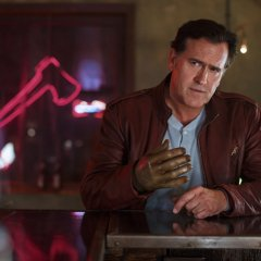 Bruce-Campbell-as-Ash-Episode-101-1024x683-33e41e4509068df6083a0b7da49ab53d.jpg
