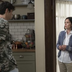 The-Fosters-5x06-Welcome-To-The-Jungler-13-d6588444bddfed034e23b5969b56bb0d.jpg