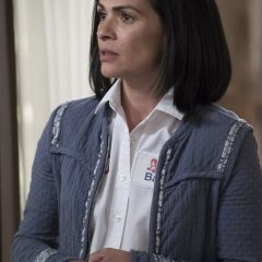 The-Fosters-5x06-Welcome-To-The-Jungler-14-9f3d19ee515de5ef6887deed89e4e92a.jpg