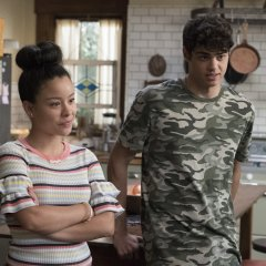 The-Fosters-5x06-Welcome-To-The-Jungler-19-d08c47a300c6406970d12efb3b7f6ad7.jpg