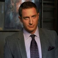 Sasha Roiz míří do Suits